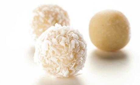 Kokos-Bälle, vegane Bliss Balls